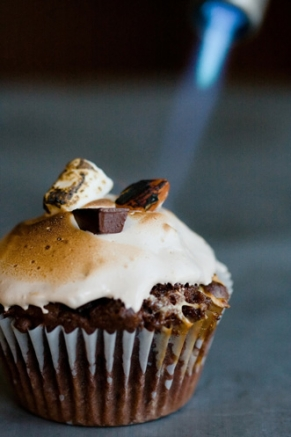 rocky-road-cupcakes-291x437